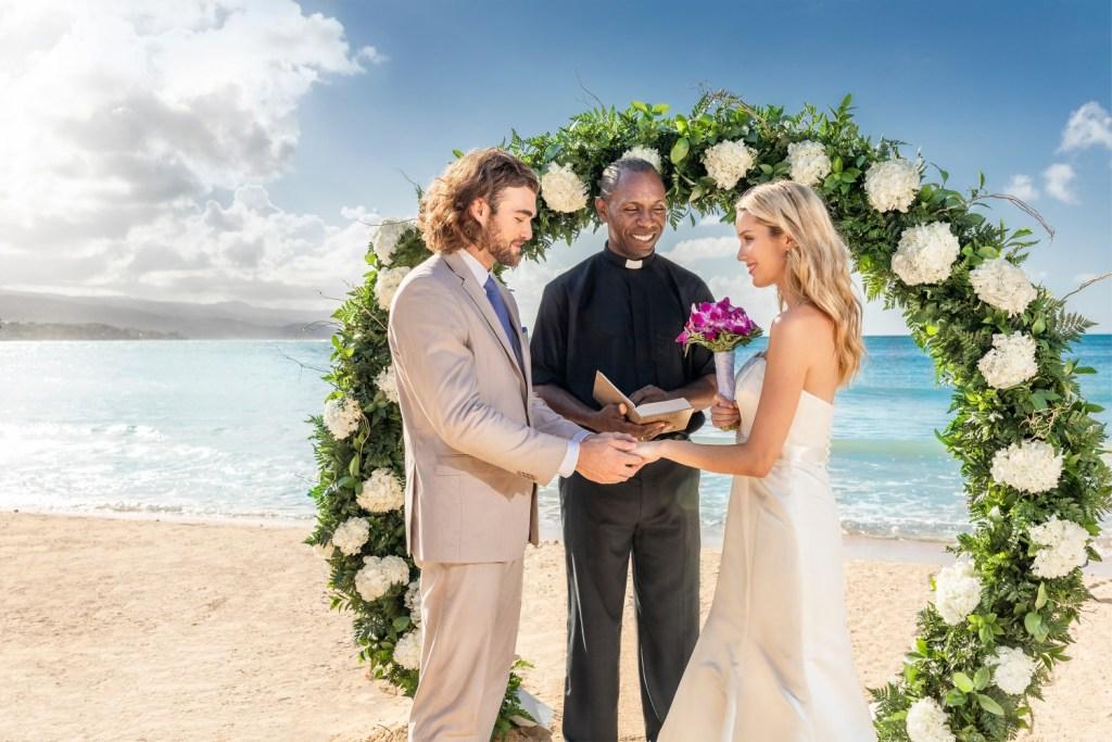 cr-ss-privatebeach3-wedding-5e34855a08453-5e4d78a995da1-1500×1000