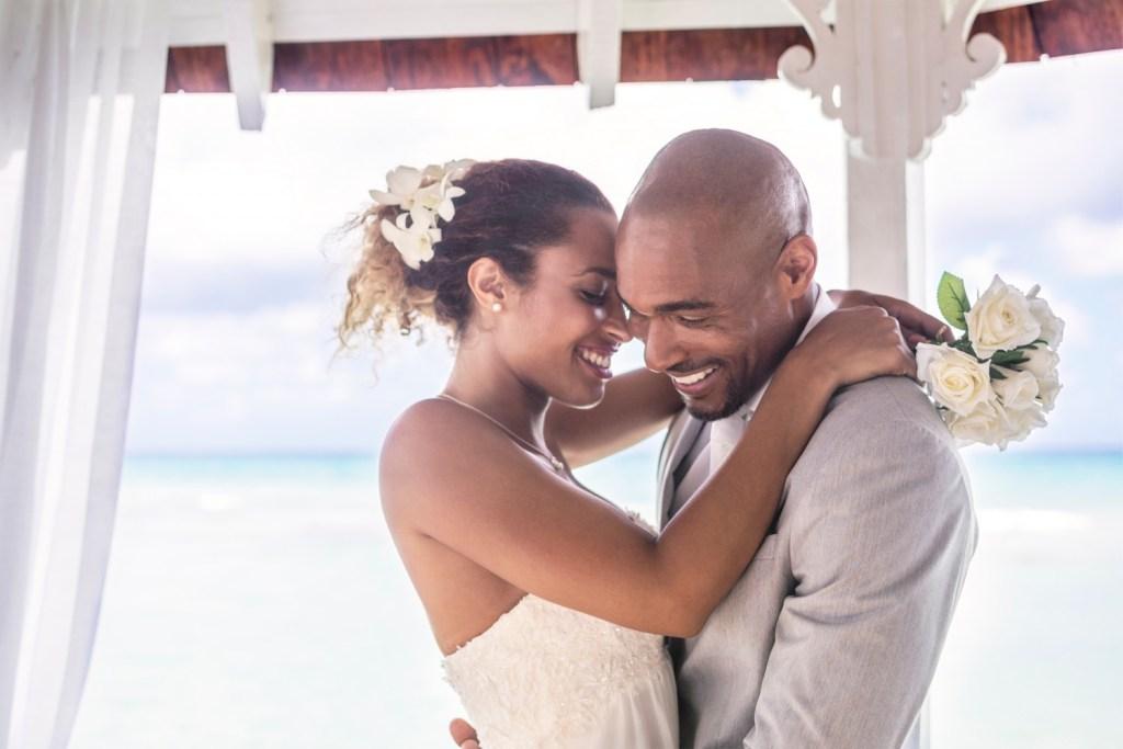 cr-ss-wedding-hotel-lifestyle4-5e3485cb41a60-1500×1000