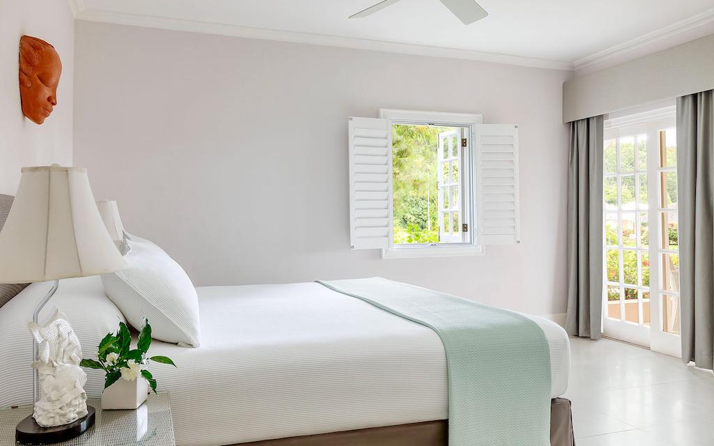 one-bedroom-beachfront-suite-img4-5ca26f7c732de