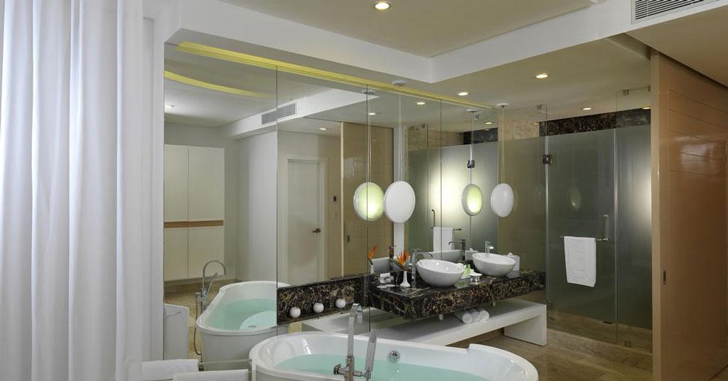 1024ParadisusPalmaReal-TR-Beach-Suite-Ocean-Front-Bathroom
