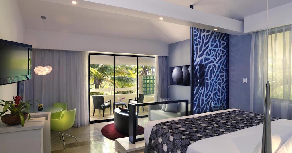 104ParadisusPuntaCana-Luxury_Jr_Suite_Room_(1)
