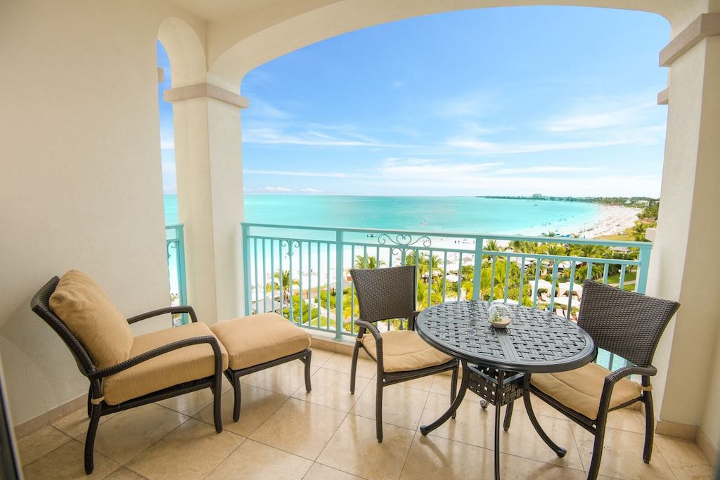 11-seven-stars-accommodations-junior-suite-ocean-view-1-5c8a5a6510ea9-optimized