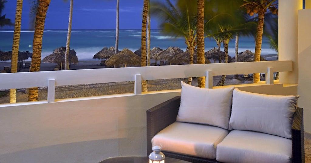 110ParadisusPuntaCana-Luxury_Jr_Suite_Terrace_(1)