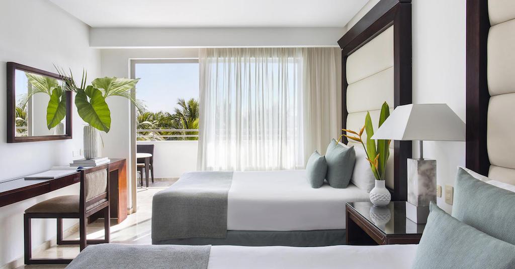 16770ParadisusPalmaRealTHR-One_Bedroom_Master_Suite_Double_Beds-2-1