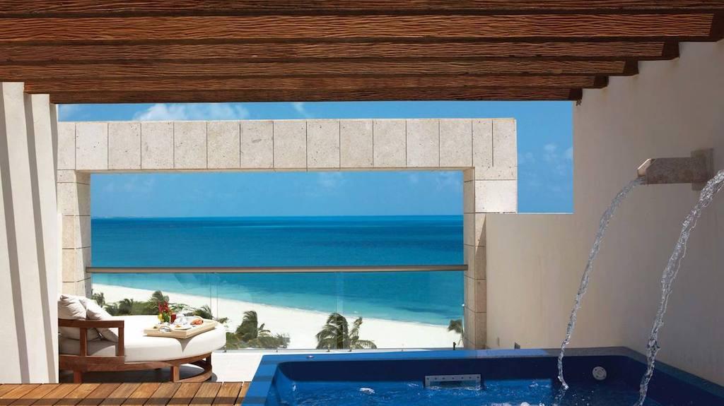 HH-EX-luxury-suite-ocean-view-with-terrace-jacuzzi
