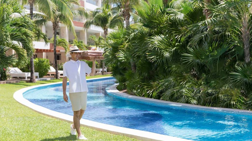 rr-EX-excellence-playa-mujeres-adults-only-resorts-in-cancun