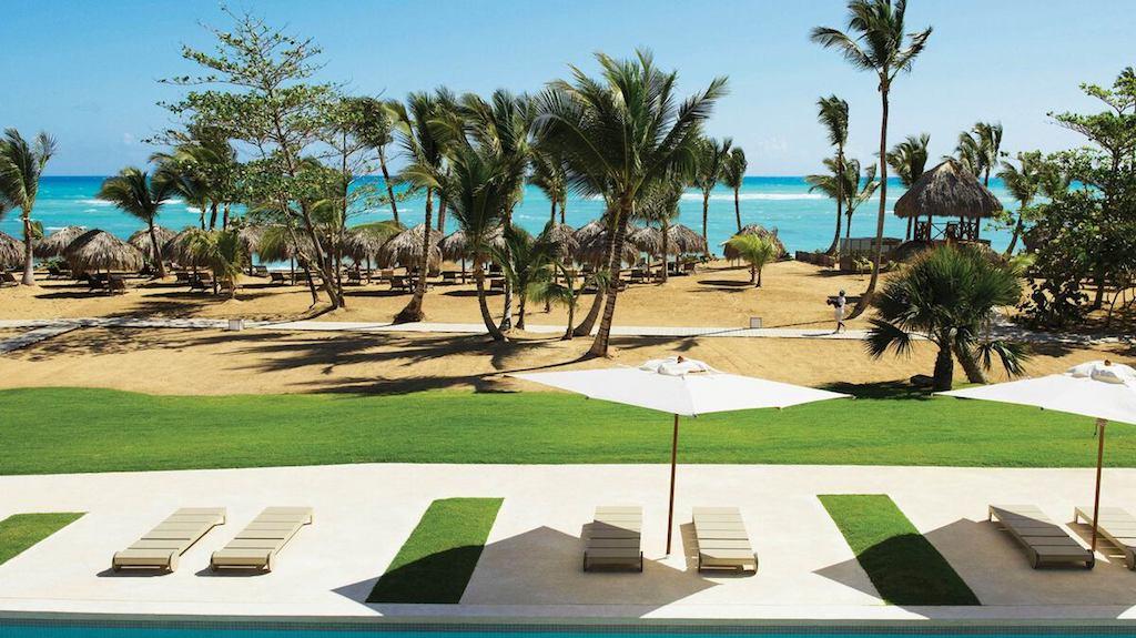 EX-EC-ECLUB-swim-up-suites-in-all-inclusive-punta-cana-resort