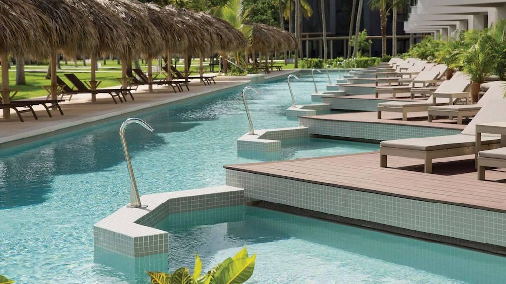 EX_EC_dominican-republic-swim-up-suites