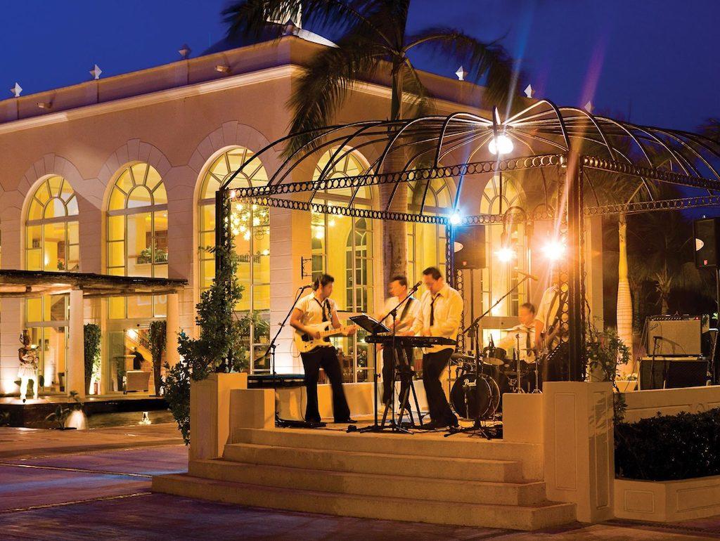 EXRC_riviera-maya-resort-activities-live-music-show
