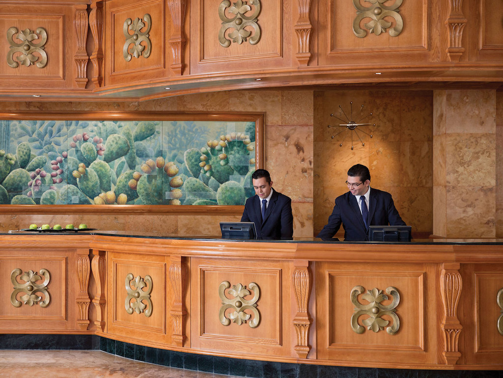 EXRC_riviera-maya-resort-front-desk