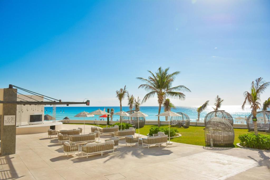 Sandos_Cancun_Bar_Two_01-min