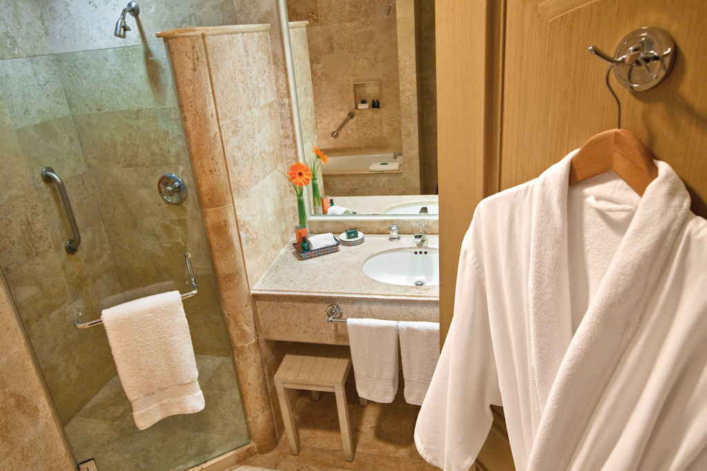 Sandos_Cancun_Hab_Superior_bathroom