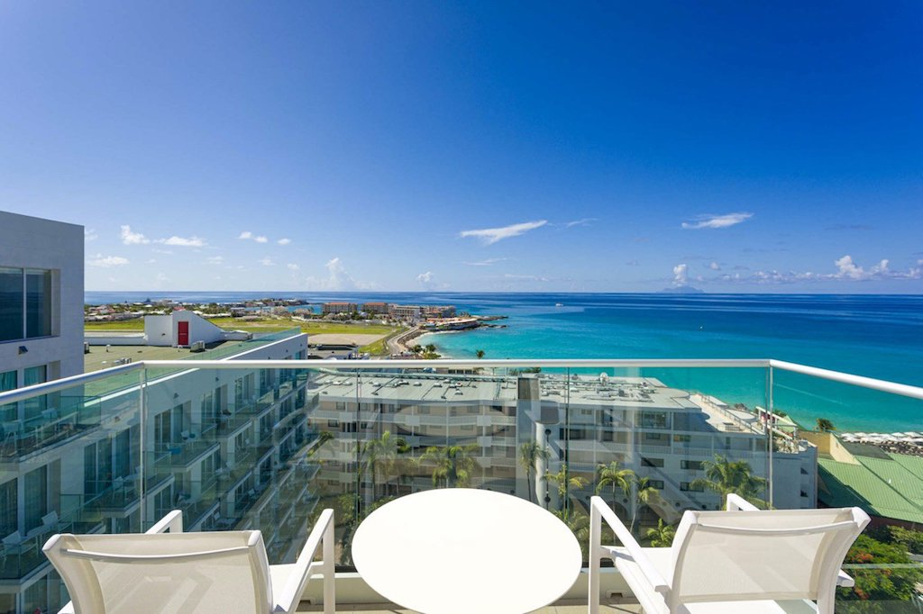 SONESTA-MAHO-loft_suite_view