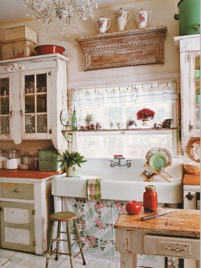 дизайн кухни с окном в рабочей зоне фото в частном доме 2
