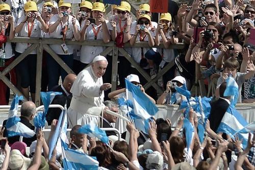 papa-con-argentinos