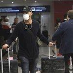 Argentina expulsó a 280 turistas que no cumplían con la cuarentena.