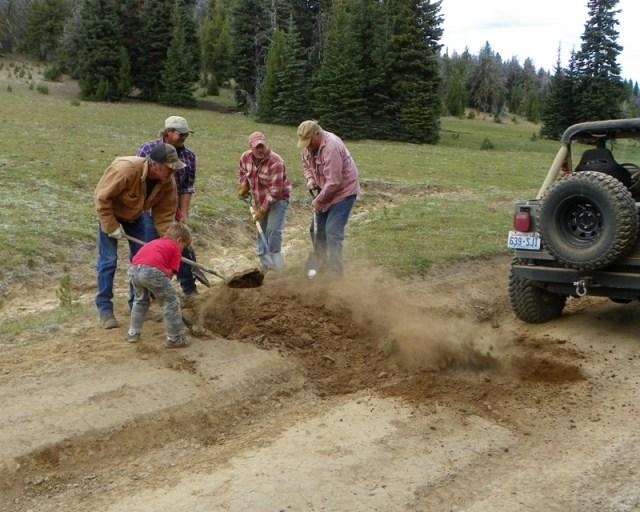 Photos: Trail 4W613 Work Day 13