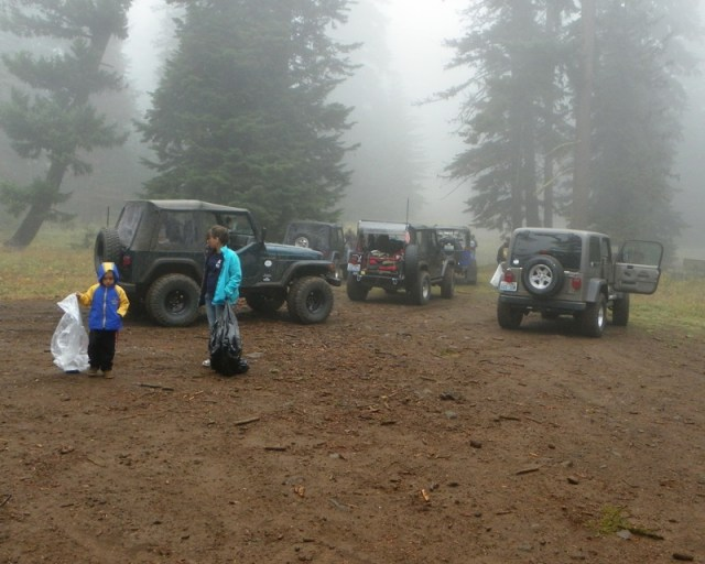 Photos: PNW4WDA Region 4 Pick Up A Mountain 13