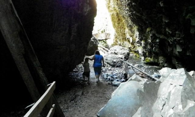 Boulder Cave Hike 46