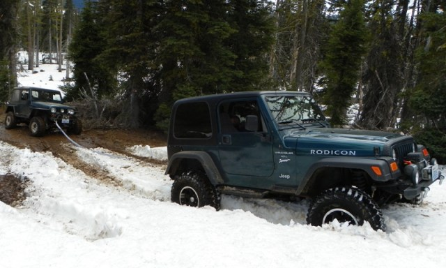 Memorial Day 4×4 Snow Run at the Ahtanum State Forest 46