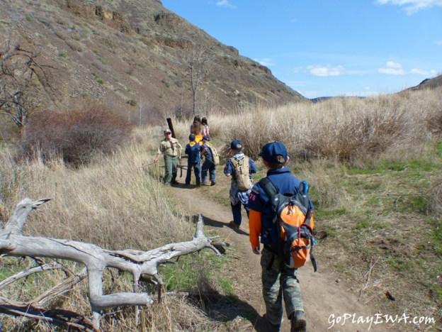 Selah Cub Scout Pack 276 Umtanum Creek hike