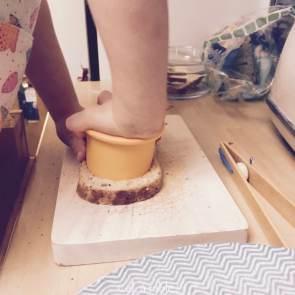 Découper les tranches de pain à l'emporte-pièce