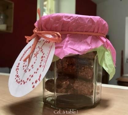 """Petit pot de cookies, cadeau """"fait maison"""""""