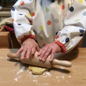 apprendre à étaler la pâte au rouleau à patisserie