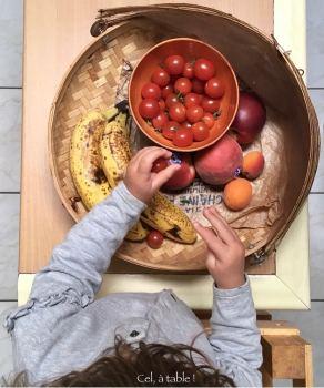 Fruits librement accessibles pour les enfants