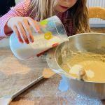 Comment cuisiner sereinement avec son enfant ?