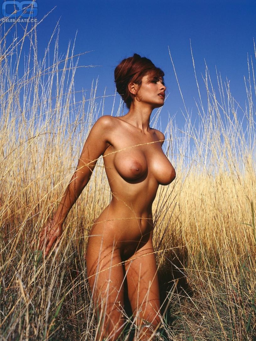 Zora Teen Nude 96