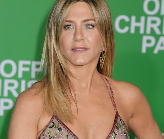 Jennifer Aniston Topless