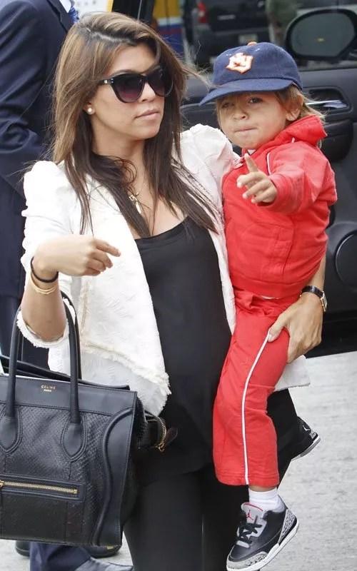 Kourtney Kardashian & Mason Flight Bound   Celeb Baby Laundry