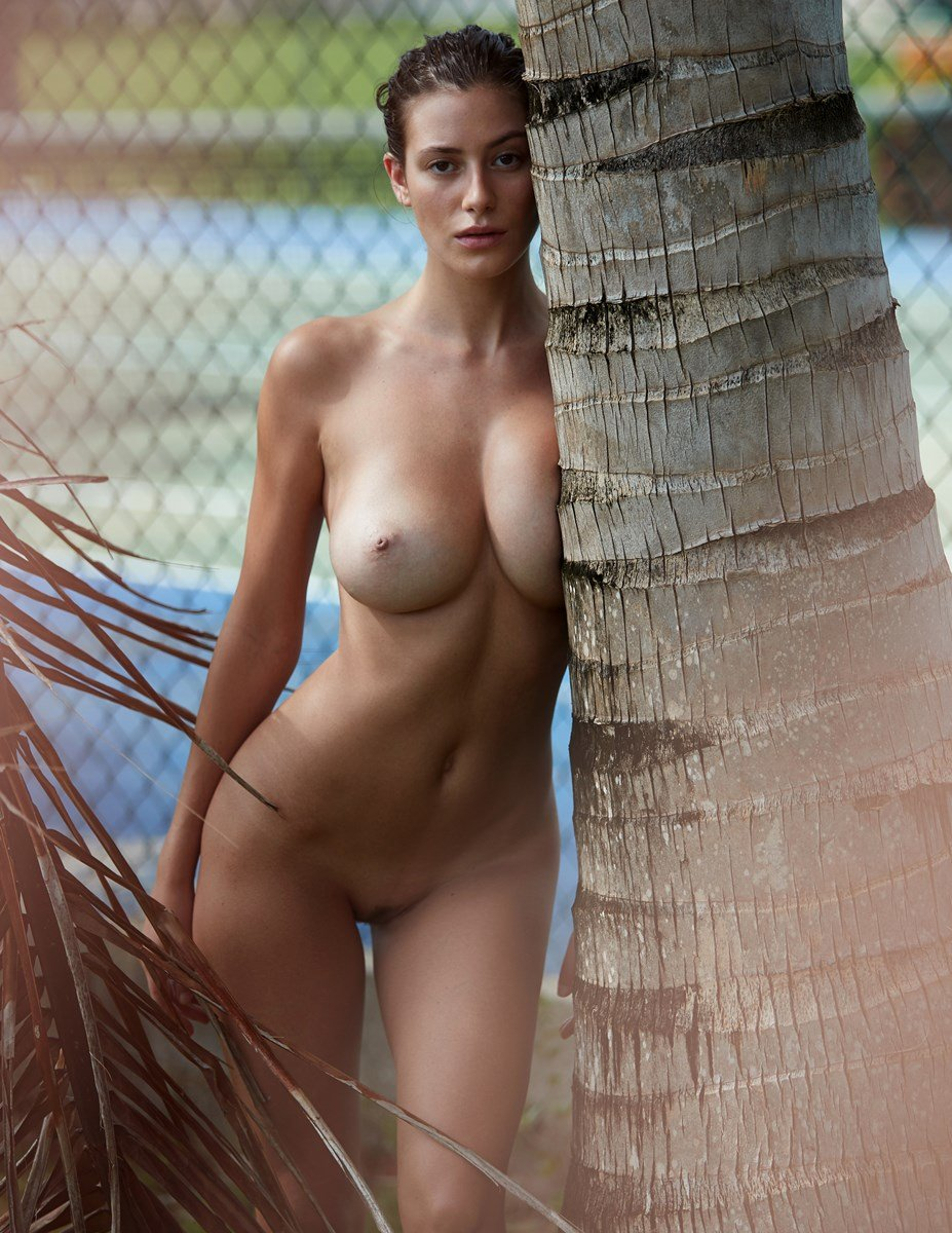 Alejandra Guilmant Poses For Another Full Frontal Nude Photo Shoot