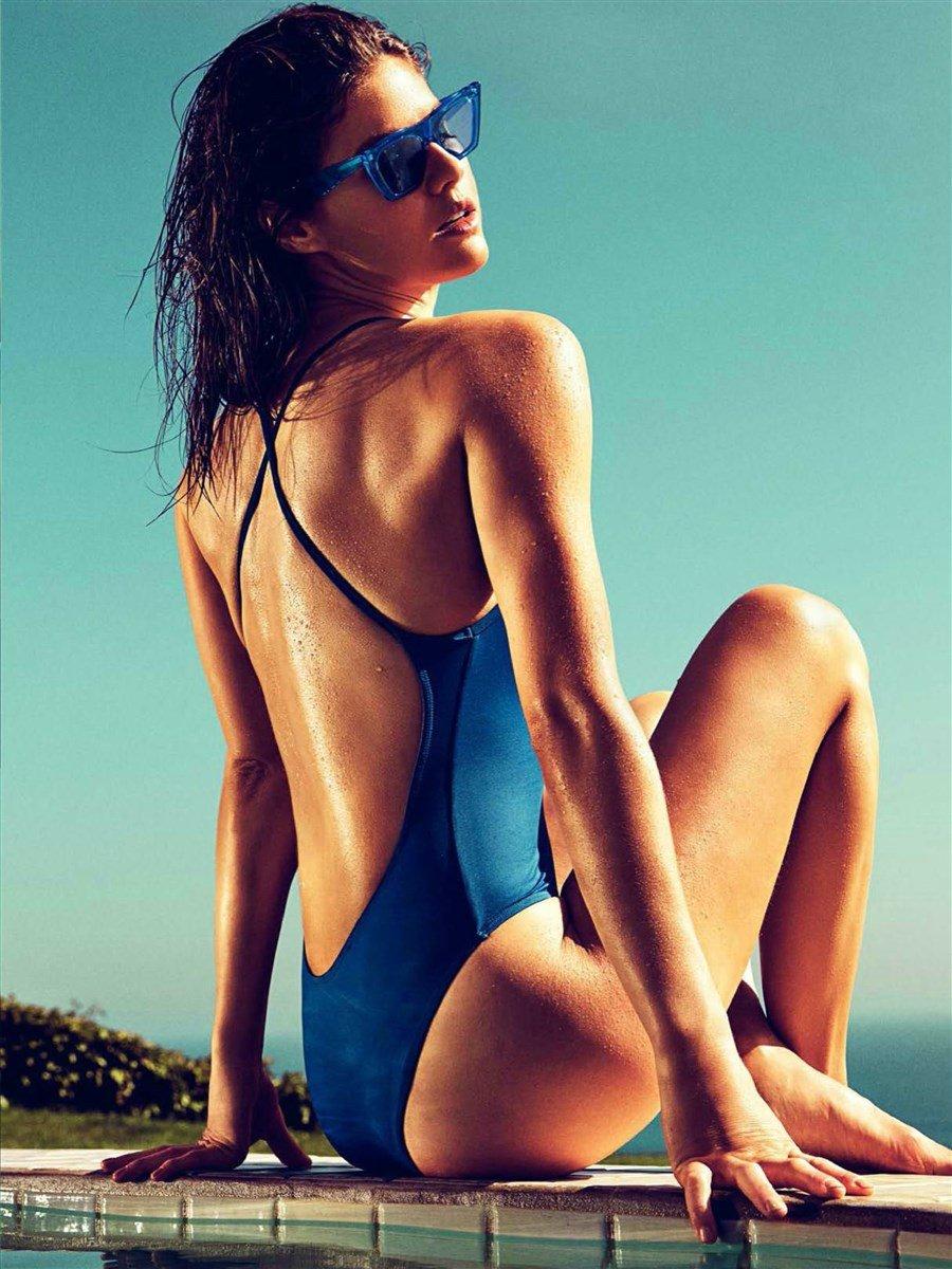 Alexandra Daddario Can Not Handle Her Big Tits