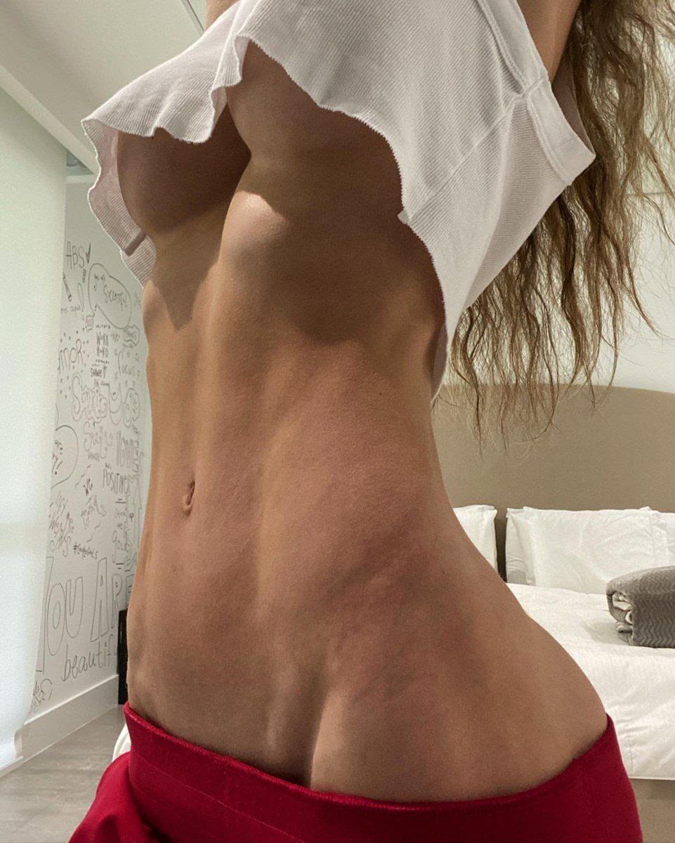 Anllela Sagra Nipples And Nude Ass Flaunting