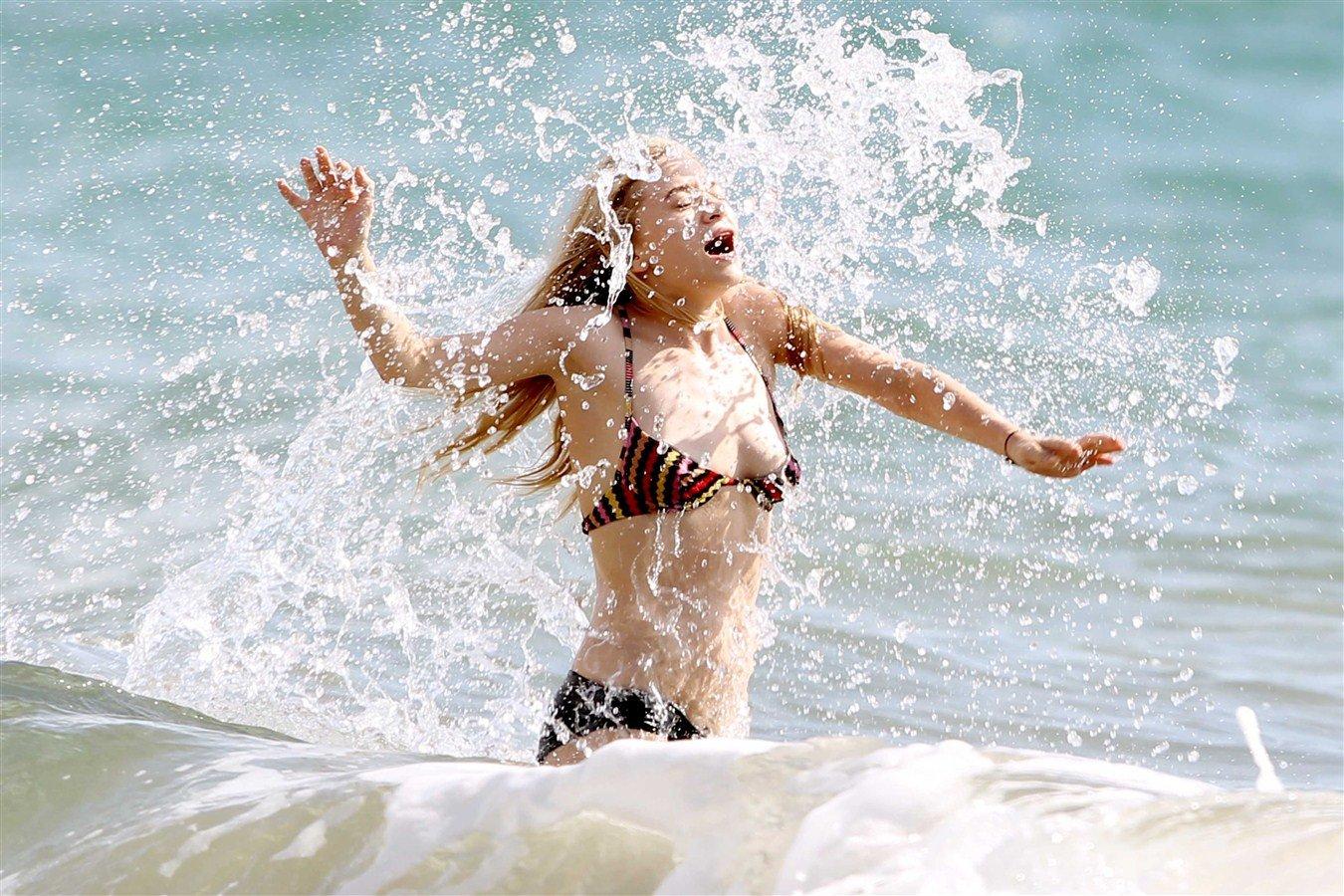 Ashley Olsen Skimpy Bikini Pics