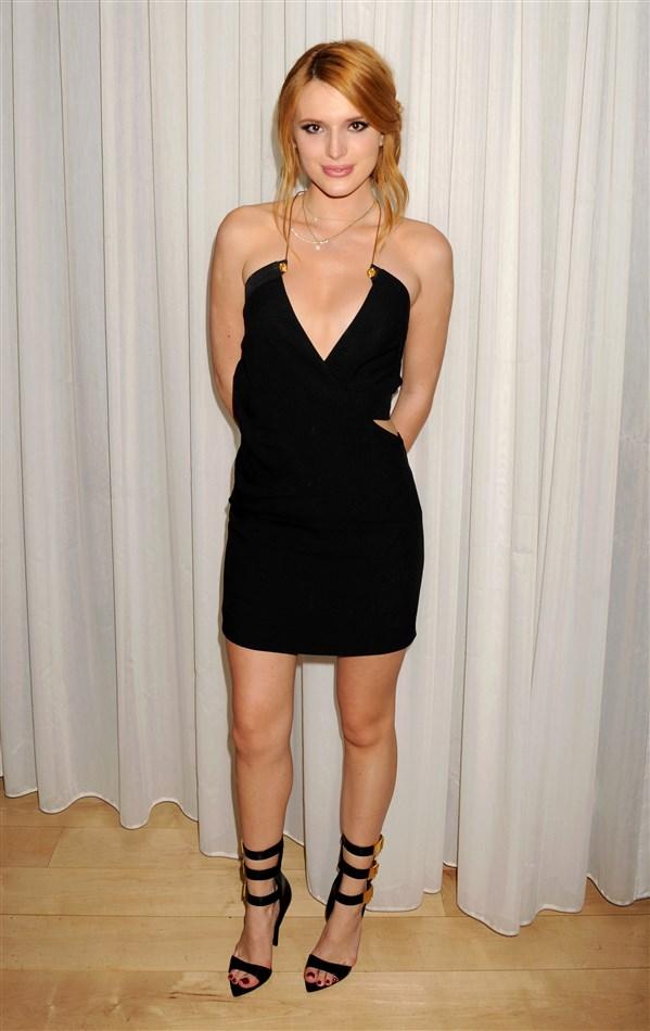 Bella Thorne's Underage Sideboob In A Little Black Dress