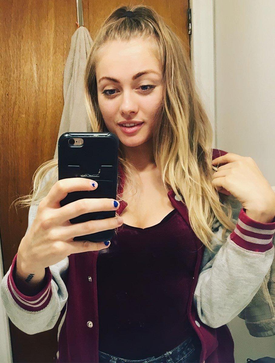 Bridget Graham Nude Selfies Leaked