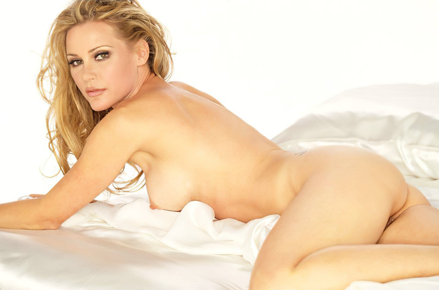 Michelle Pfeiffer Nude Scene Remastered And A.I. Enhanced