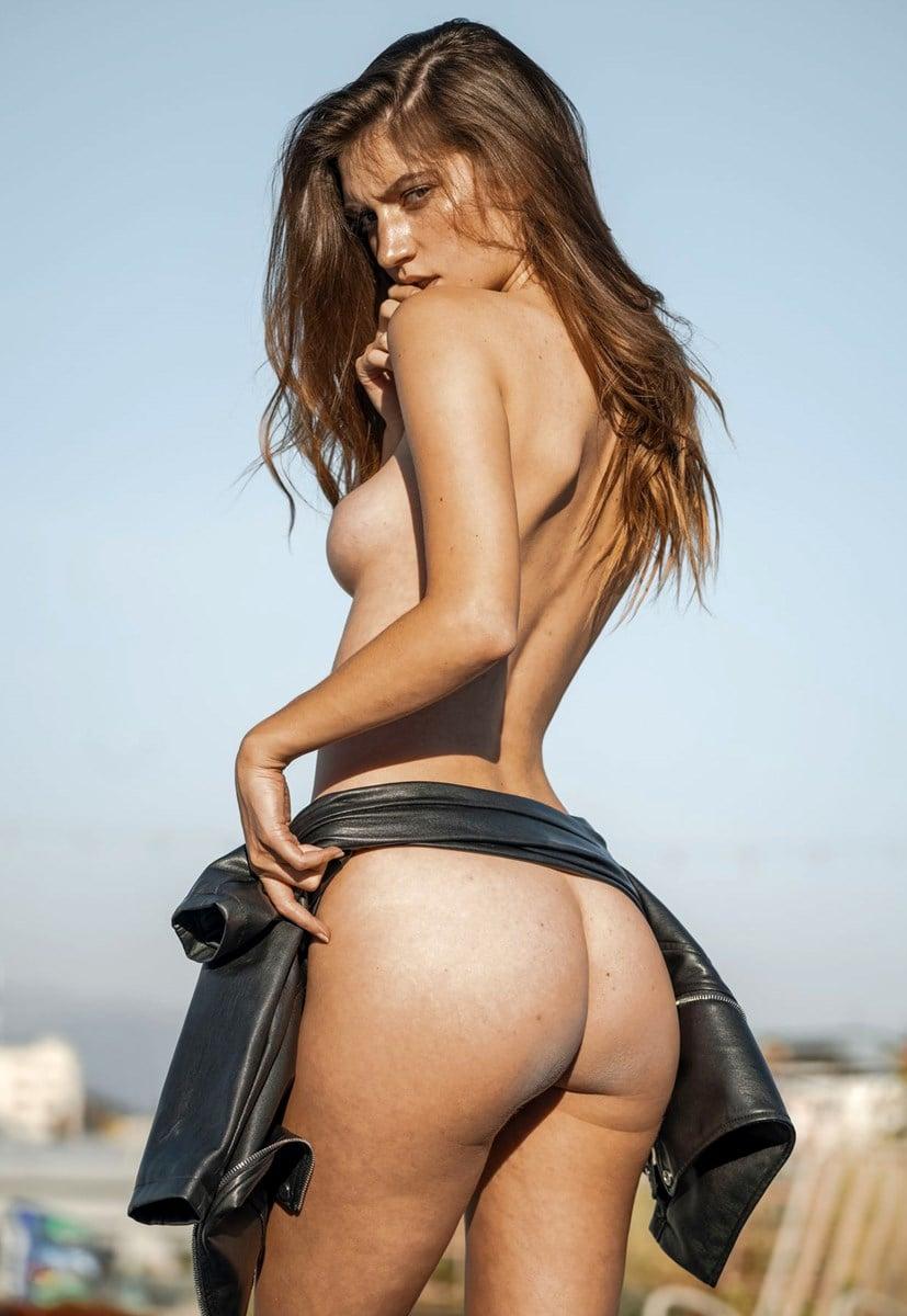 Elizabeth Elam Full Frontal Nude Outtakes