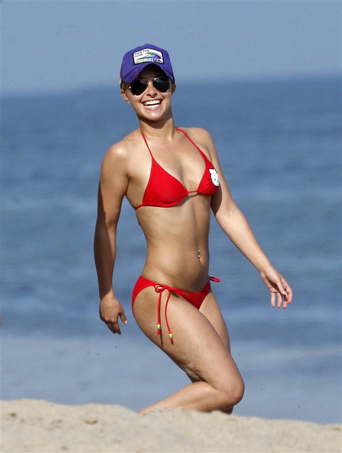 Hayden Panettiere Is One Sexy Dude In A Bikini