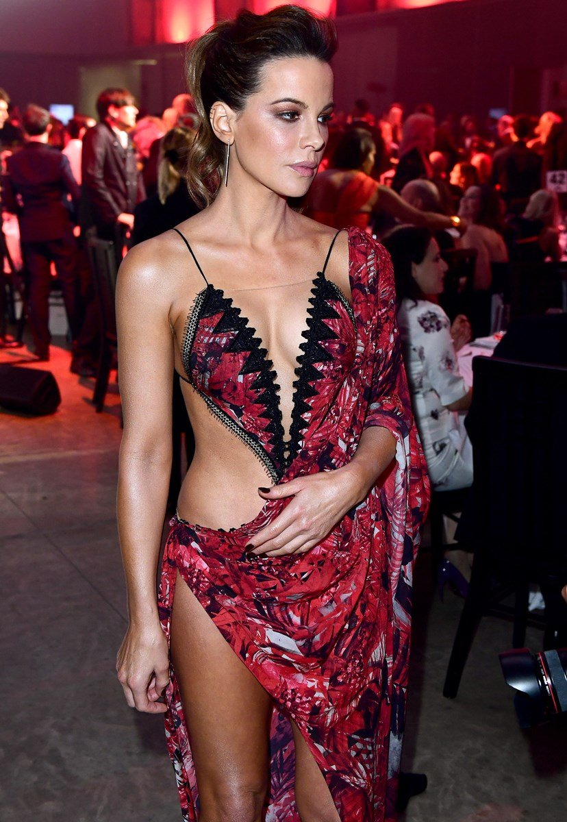 Kate Beckinsale's Deep Cleavage In A Slutty Red Dress