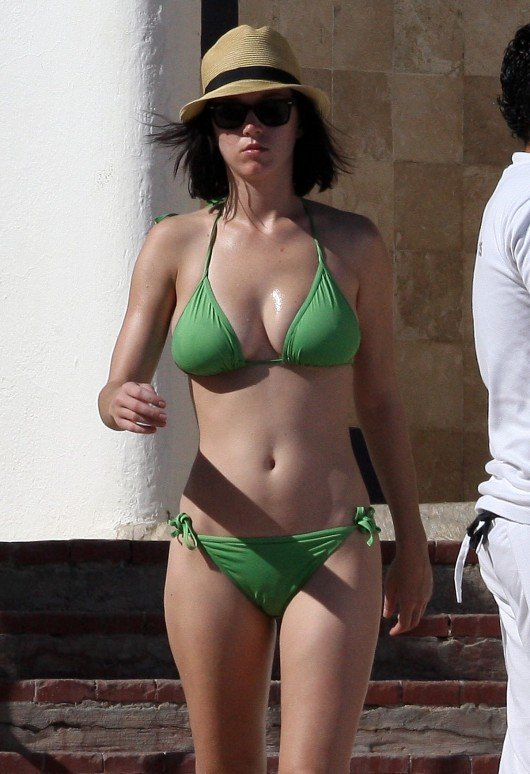 The Best Katy Perry Cleavage Pics