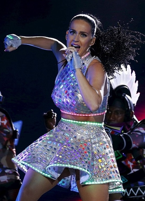 Katy Perry Takes Her Ass Back On Tour