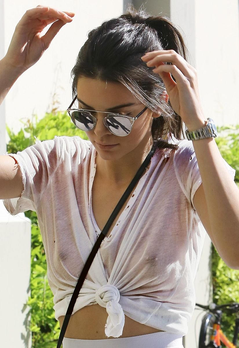 Kendall Jenner Shows Her Boobs In A Completely See Through Top