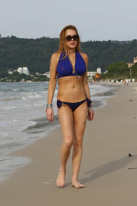 Lindsay Lohan Battered Body Bikini Pics