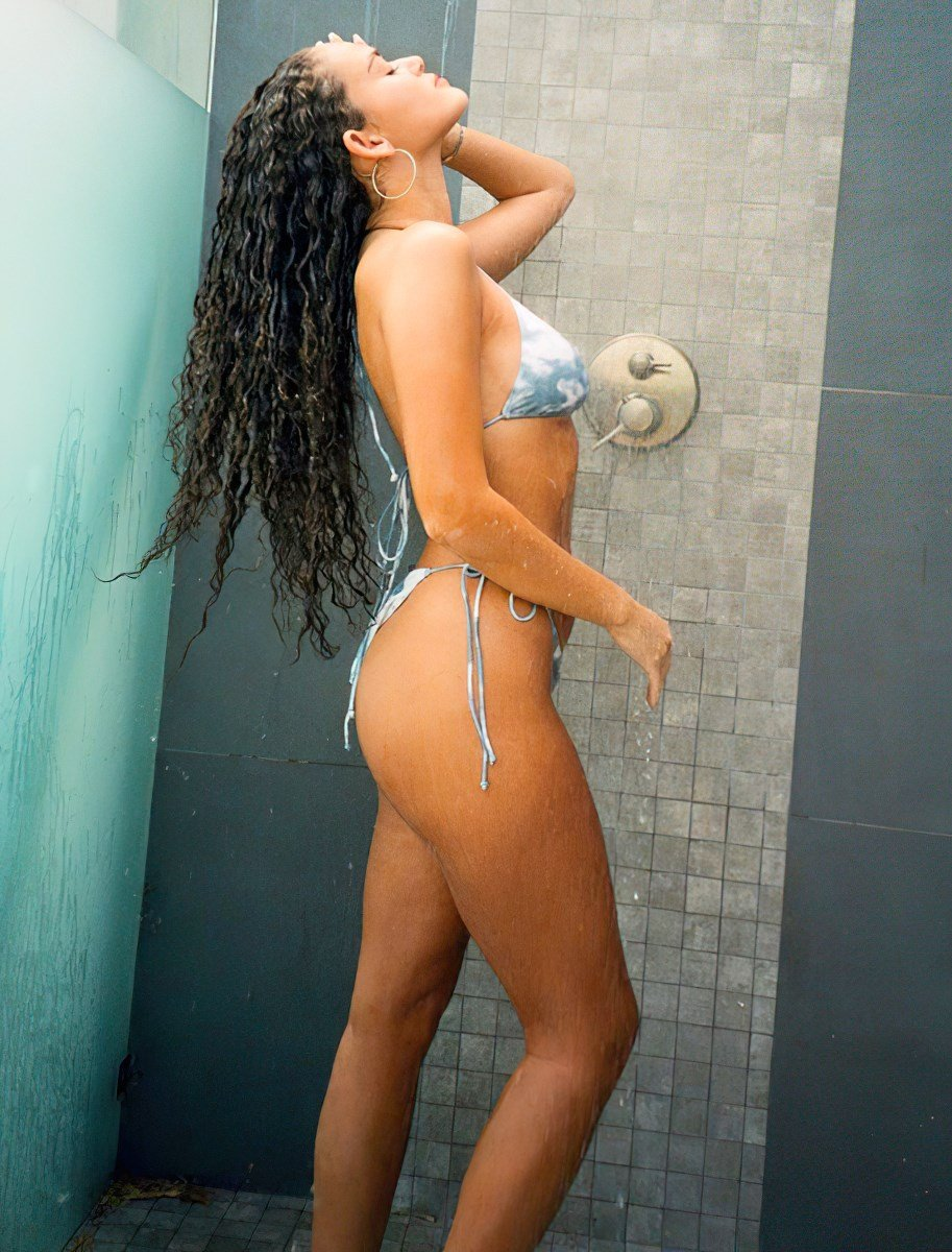 Madison Pettis' Ass Modeling Lingerie