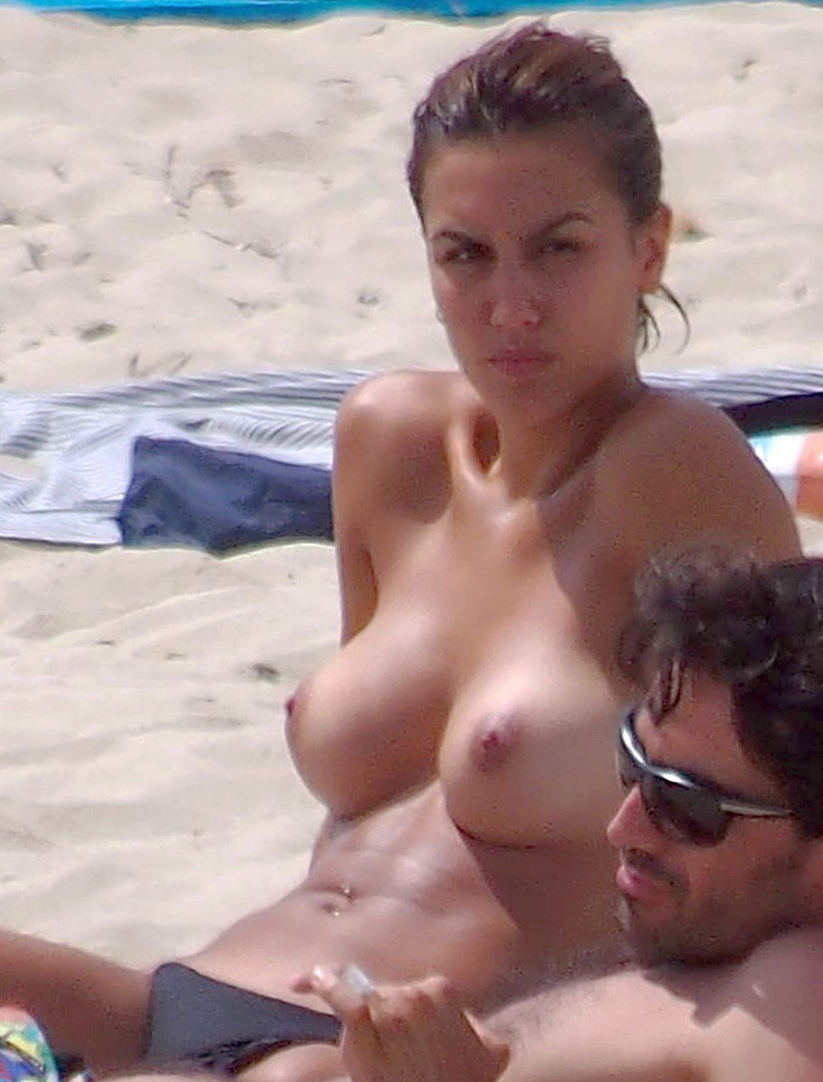 """Megan Montaner Nude Scene From """"30 Coins"""" And Topless Candid Pics"""