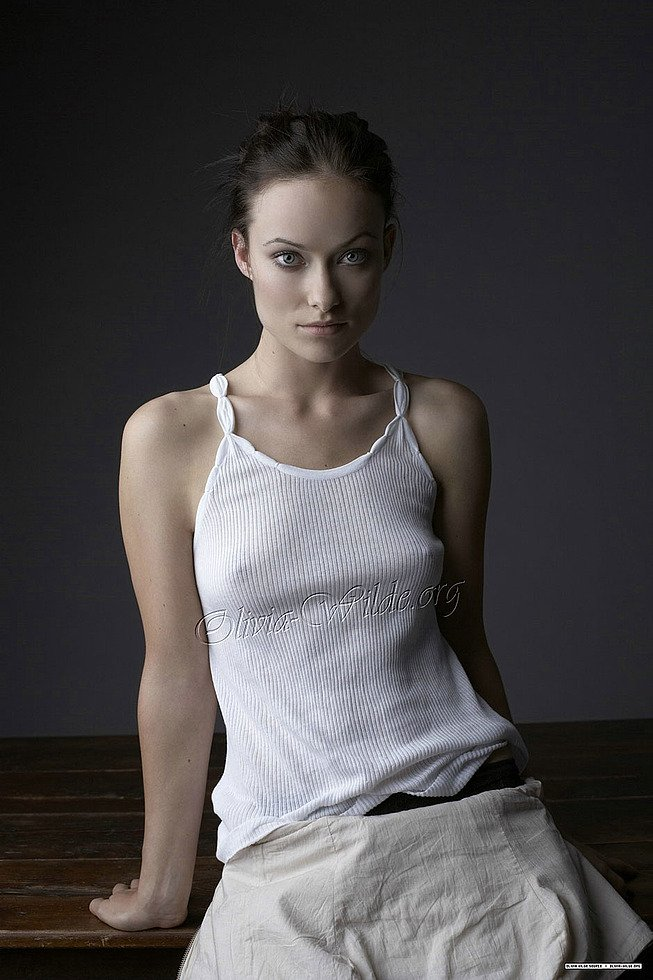 Olivia Wilde In See Through Top Pictures